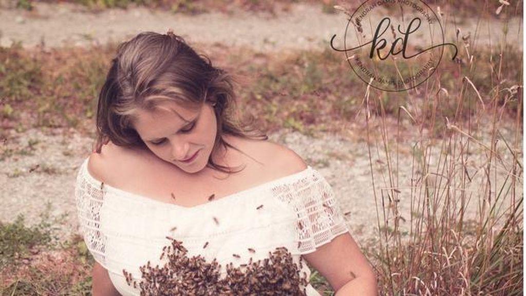 Foto: Tertarik Maternity Photoshoot Bareng Lebah Seperti Ini?