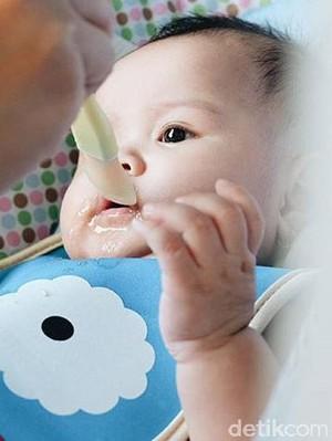Memberi Makan Anak Pun Ada Nilai Pembelajarannya, Lho