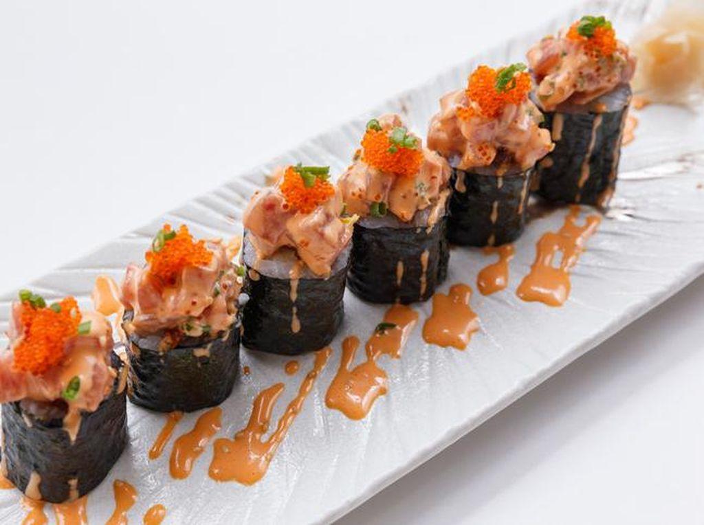 Selain Enak, 6 Topping Sushi Fusion Ini Juga Paling Populer