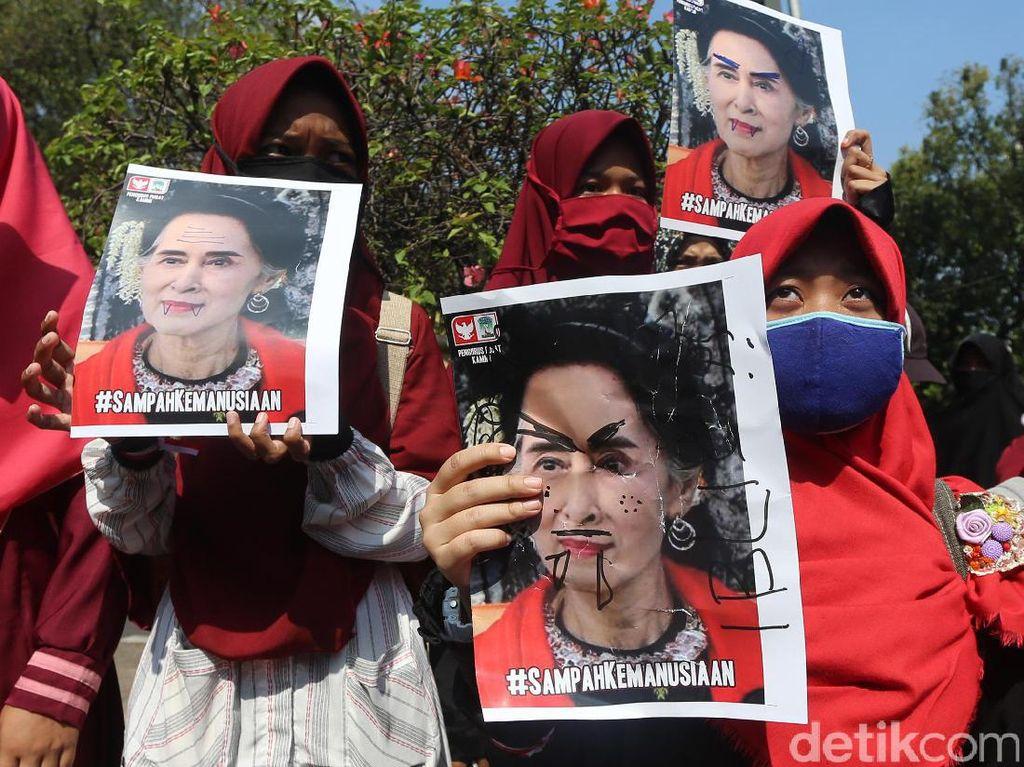 HMI-KAMMI Gelar Aksi Solidaritas untuk Rohingya di Kedubes Myanmar