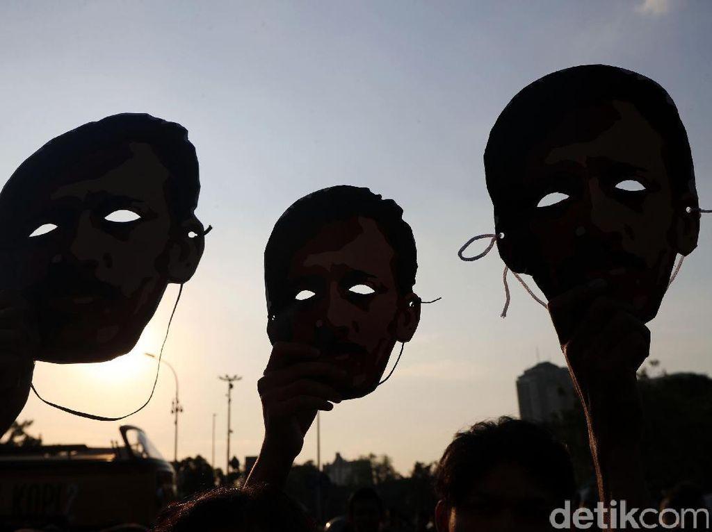 Peserta Kamisan Sodorkan Surat Tuntutan HAM Saat Temui Jokowi