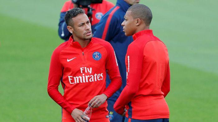 PSG menebus klausul buyout dalam kontrak Neymar dengan Barca yang bernilai 222 juta euro (sekitar Rp 3,5 T). Neymar pun jadi pemain termahal sepanjang sejarah. Foto: Charles Platiau/Reuters
