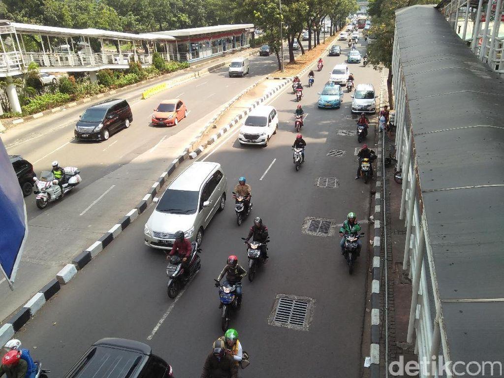 Jalan Sudirman-Thamrin Ditutup Selama Penyemprotan Disinfektan
