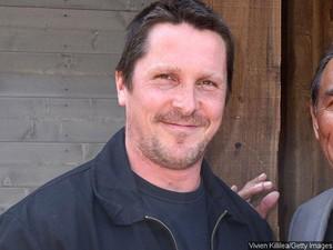 Christian Bale Bertransformasi Jadi Gemuk