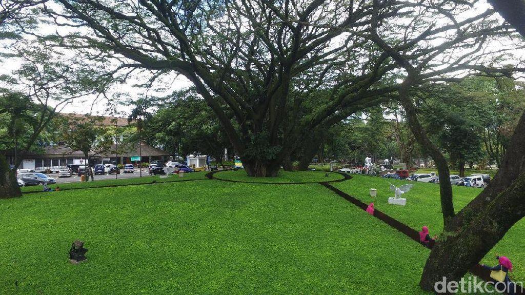 Wisata Labirin di Kantor Wali Kota Ridwan Kamil