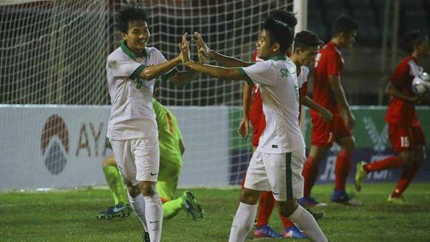 Timnas Indonesia U-19 saat menghancurkan Filipina 9-0. (