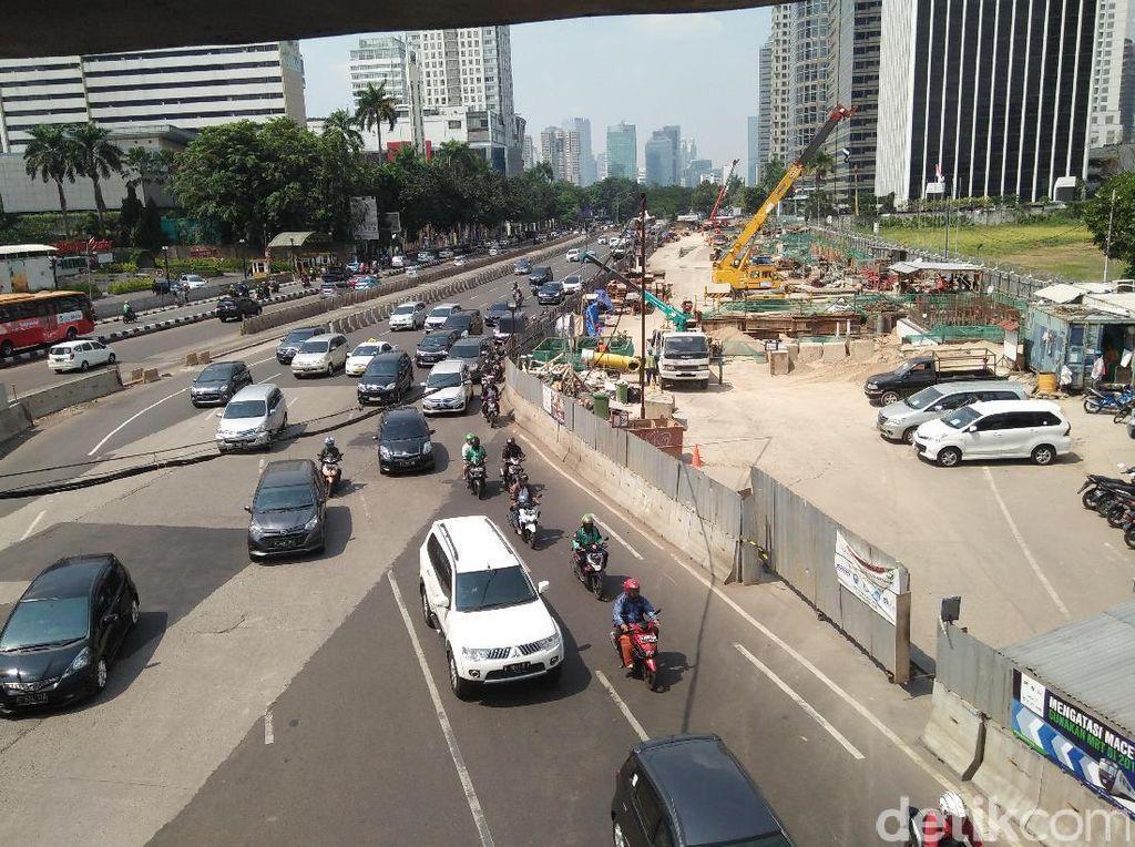 Pemotor yang Tetap Bebas di Jalan Sudirman