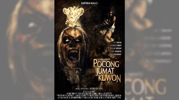 Salah satu film bertajuk pocong di era modern, 'Pocong Jumat Kliwon' (2010).