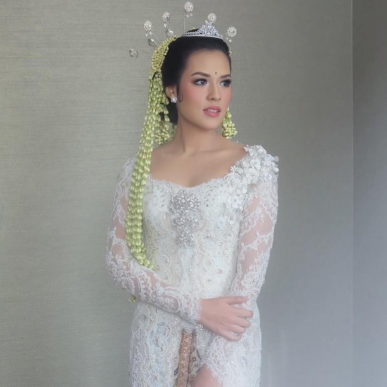 Foto 20 Model Kebaya Pengantin Artis Indonesia Raisa Hingga Nagita