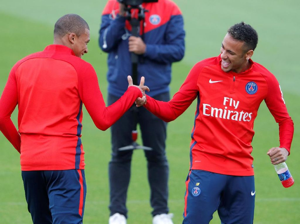 Ketika Neymar Bertemu Mbappe