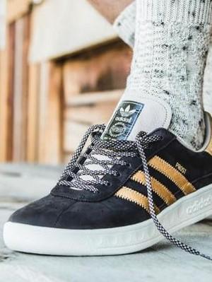 Adidas Rilis Sneakers Anti Kena Muntah dan Tumpahan Bir