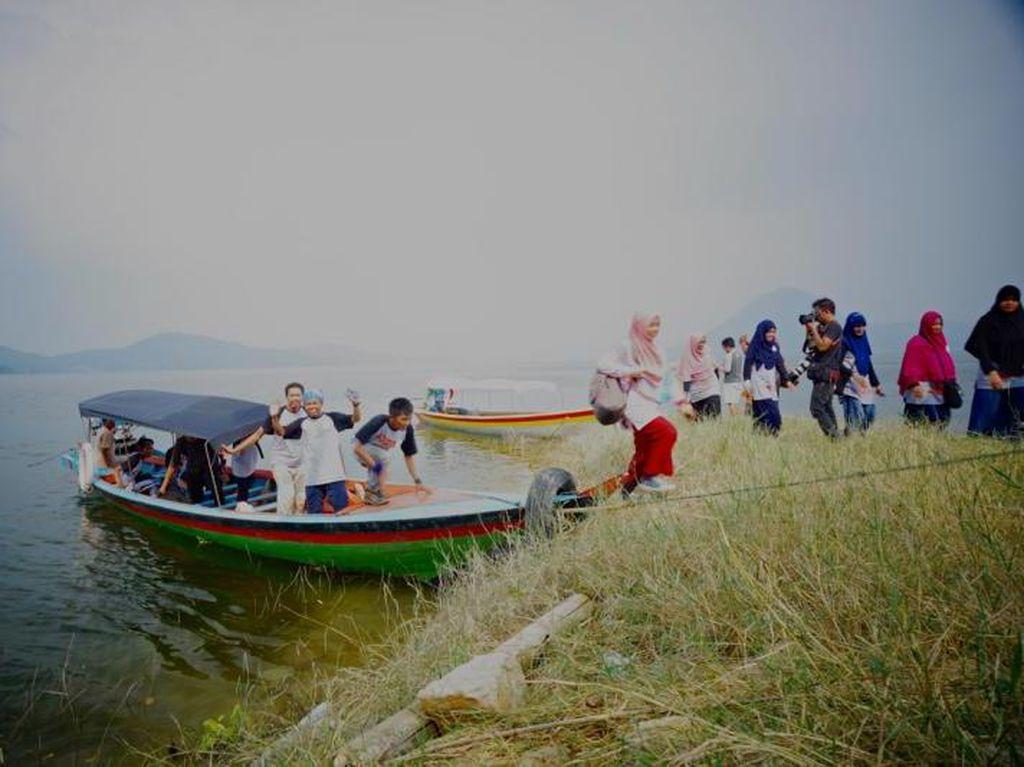 Menelusuri Pulau Jodoh di Waduk Jatiluhur