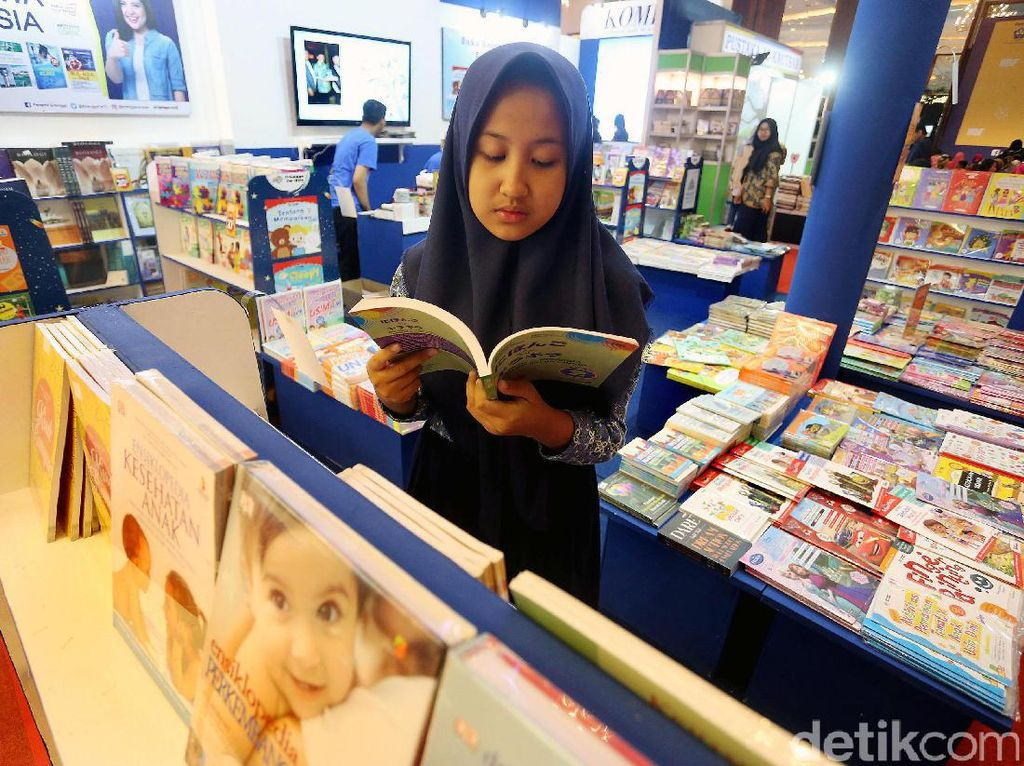 Indonesia International Book Fair Sedot Ratusan Pelajar