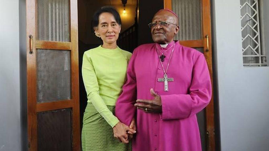 Kecaman Keras Desmond Tutu untuk Suu Kyi Terkait Rohingya
