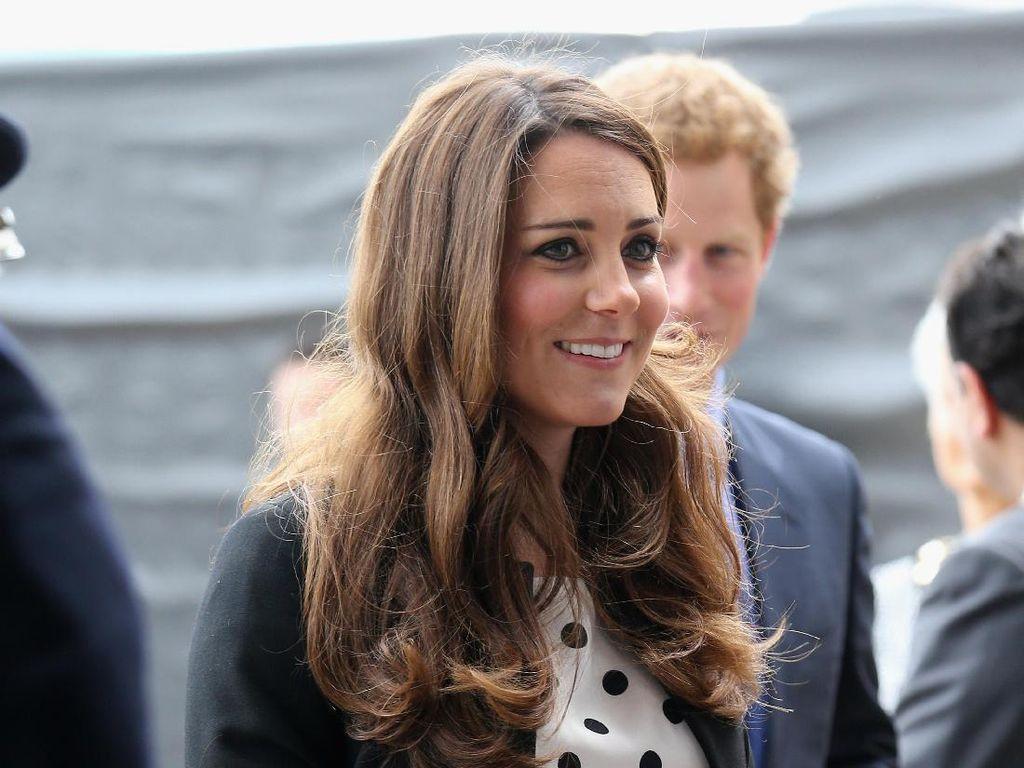 Kate Middleton Batasi Anak Main Gadget saat Jalani Karantina