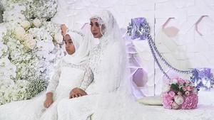 Terlihat Tegang, Laudya Cynthia Bella Anggun di Pernikahannya