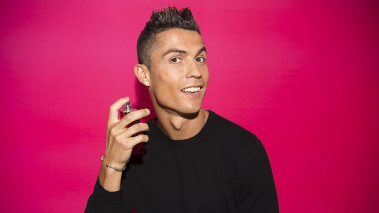Setampan Ronaldo, Sewangi CR7