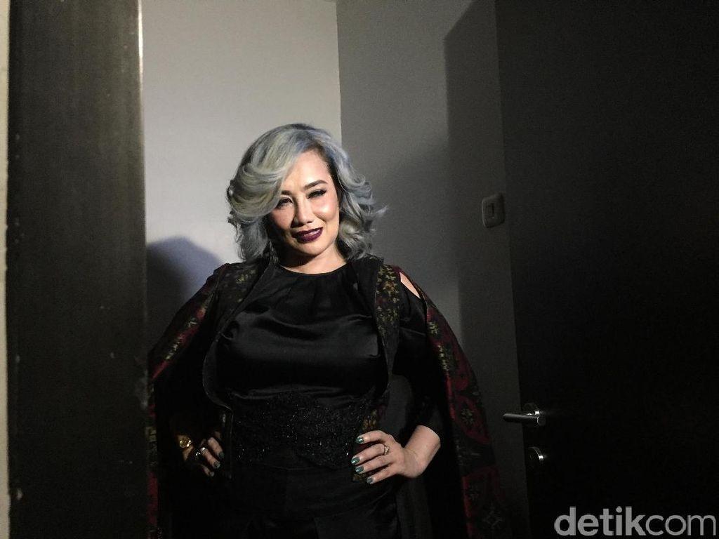 Buat Single Baru, Reza Artamevia Come Back dengan Tampilan Segar