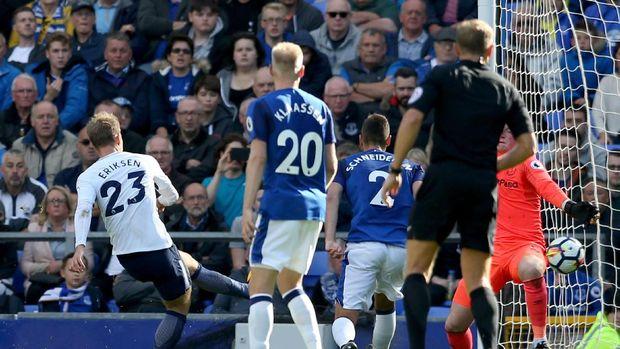 Kane Dua Gol, Spurs Bekuk Everton 3-0