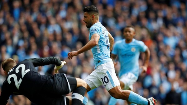 Hobi Aguero Jebol Gawang Liverpool di Etihad dan Statistik Lainnya