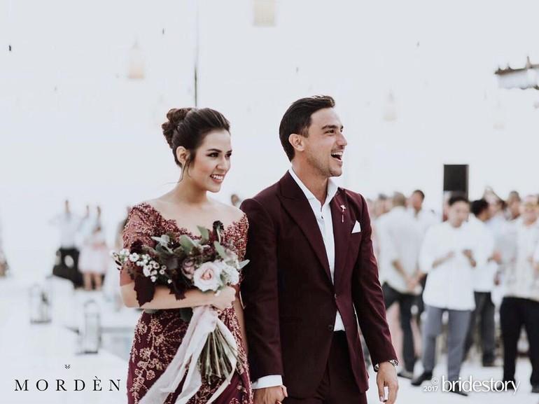Foto Cantiknya Raisa Pakai Gaun Rancangan Biyan Saat Pesta Nikah Di