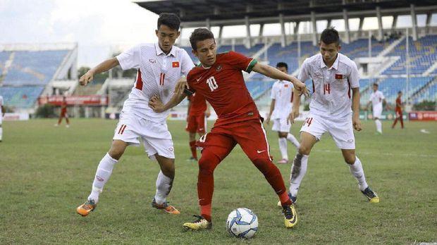 Timnas Indonesia U-19 lolos ke semifinal dengan status juara Grup B Piala AFF U-18.