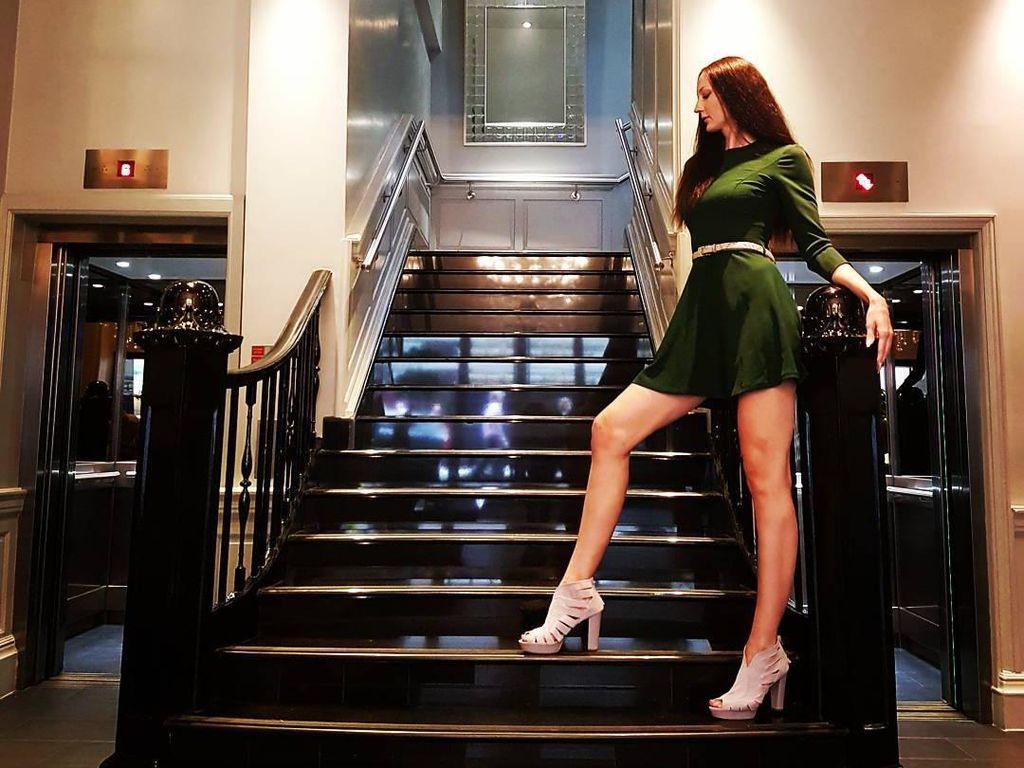 Foto: Cantiknya Ekaterina Lisina, Wanita dengan Kaki Terpanjang di Dunia