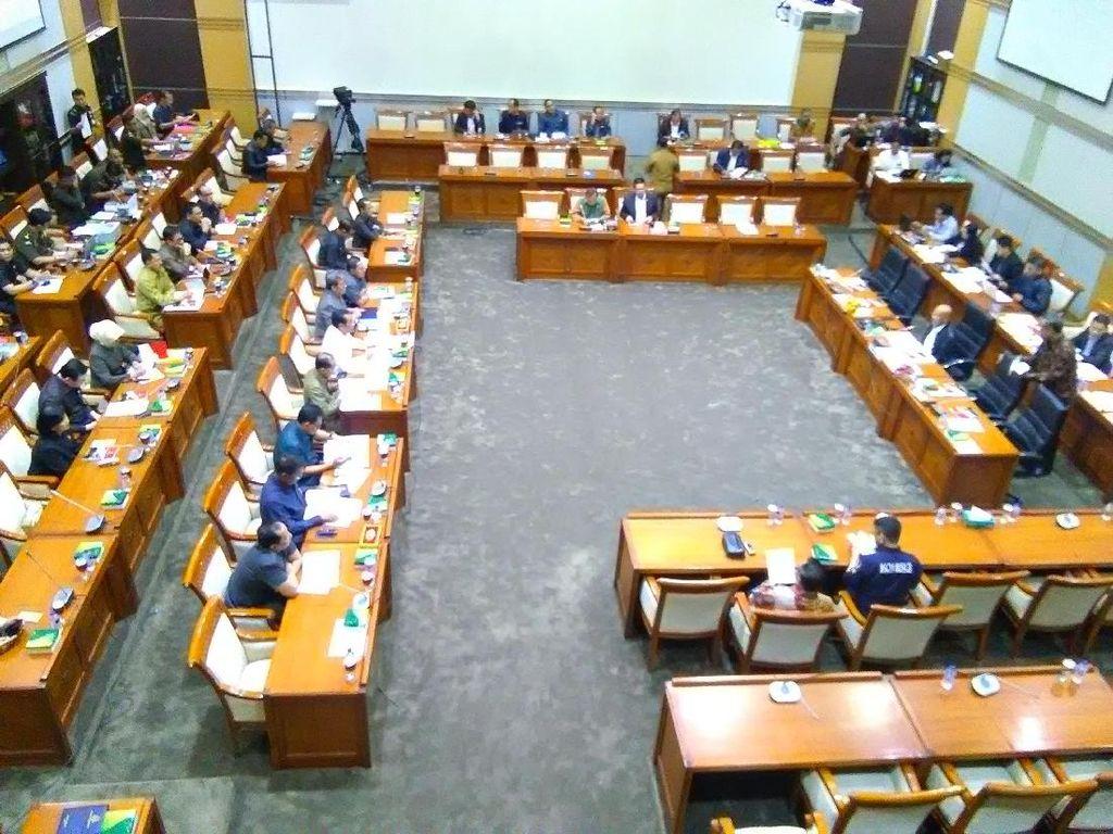 Kasus Walet Novel Kembali Diungkit di Rapat Jaksa Agung dan DPR