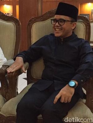Azwar Anas: Bu Mega Ajak Kepala Daerah Gotong Royong Bangun Daerah