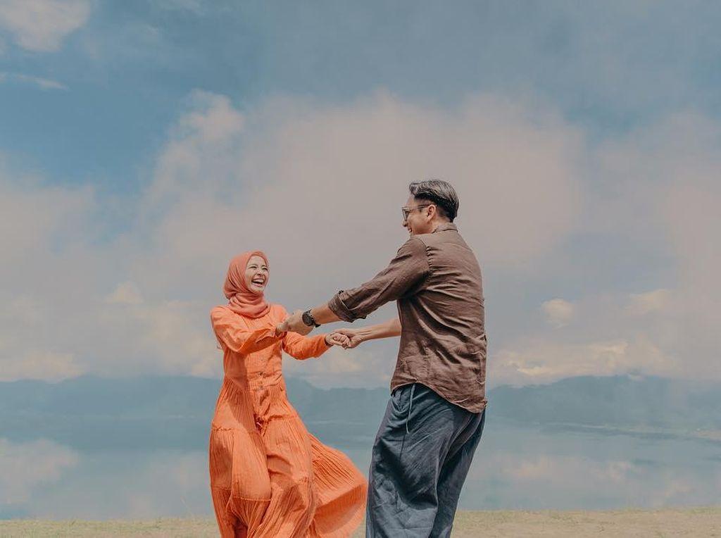 Makna Manis di Balik Foto Prewedding Bella yang Dilakukan di Padang
