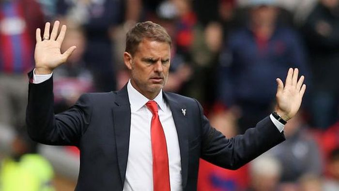 LIVERPOOL, ENGLAND - AUGUST 19: Frank de Boer, Manager of Crystal Palace reacts during the Premier League match between Liverpool and Crystal Palace at Anfield on August 19, 2017 in Liverpool, England.  (Photo by Jan Kruger/Getty Images)
