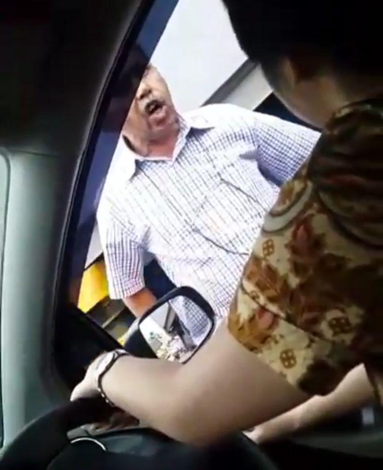 Viral Video Pria Tampar Perempuan Pengendara Mobil di Tol