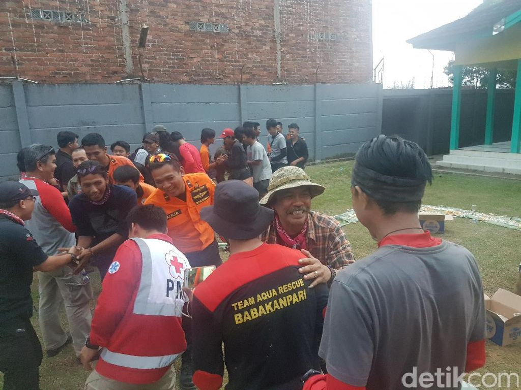 Cerita Tim SAR Temukan Guru SMA di Gunung Gede Sukabumi