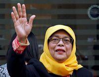 Halimah Yacob Pernah Jualan Nasi Padang sampai Sukses Kaprikornus Presiden Singapura
