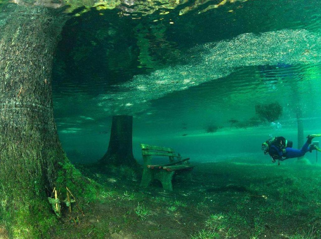 Foto: Taman Ini Bisa Menghilang Setahun Sekali