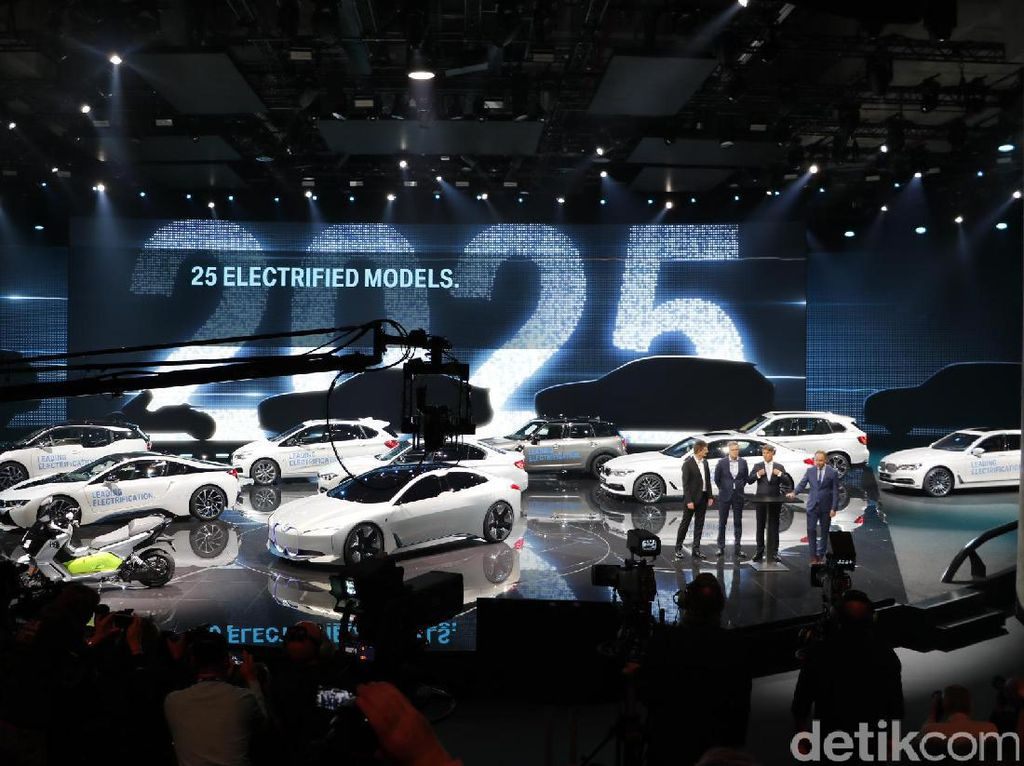 BMW: Kami Jawara Mobil Listrik dan Hybrid