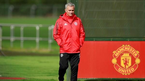 Mourinho Sebut Laga Lawan Liverpool Tak Krusial, Kenapa?