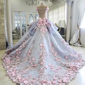 Cantik Banget! Kue Ini Dibuat Persis Seperti Gaun Pengantin