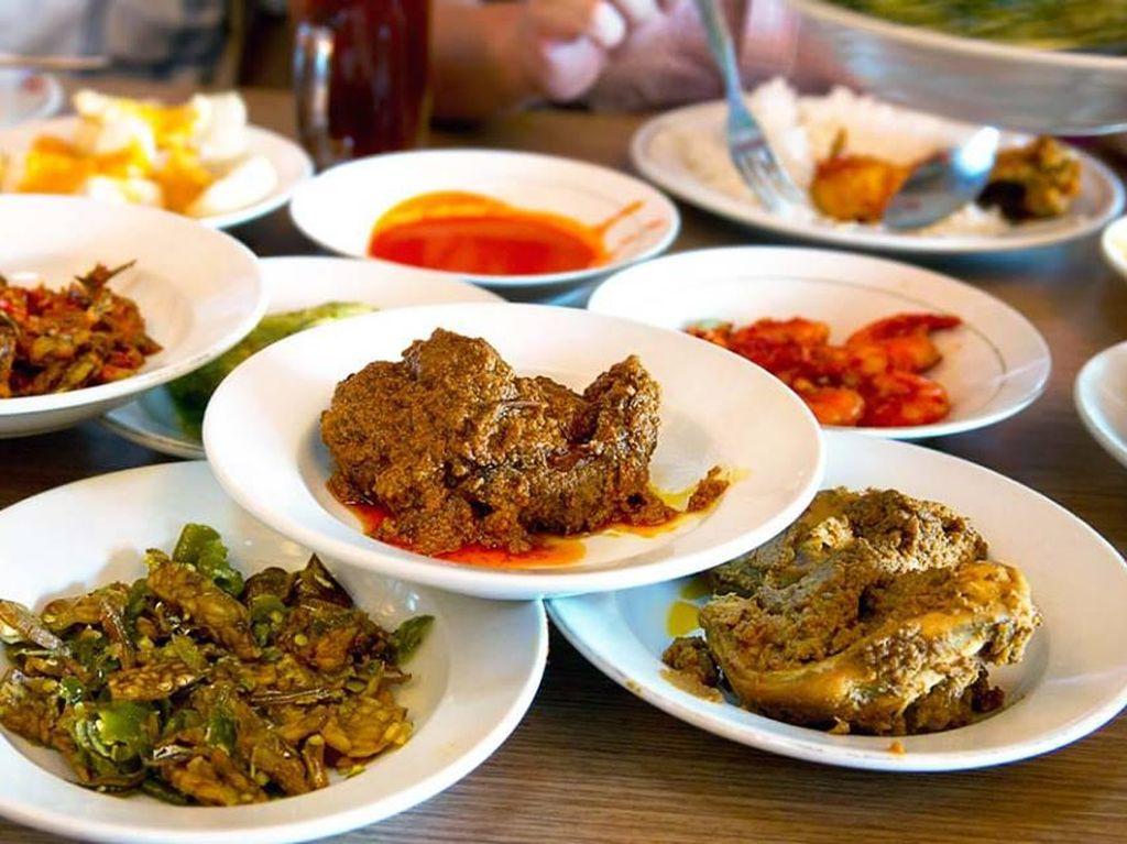 Ramai Boikot Nasi Padang, Ahli Kuliner: Mereka Bakal Kangen Nasi Padang