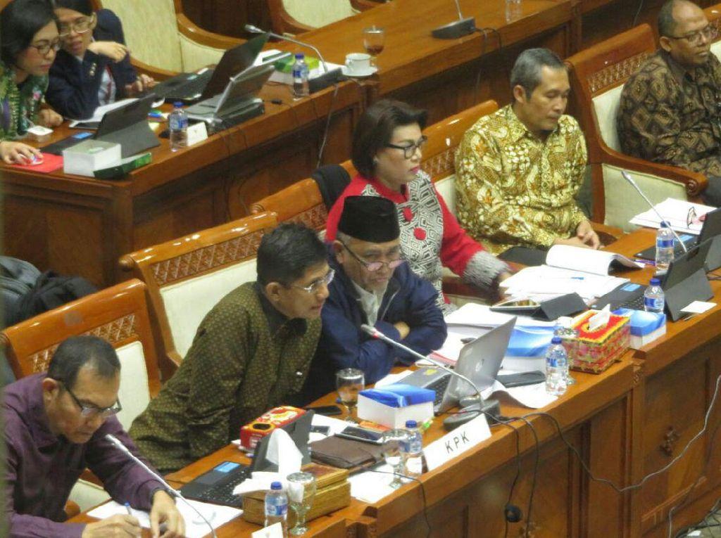 Praperadilan Novanto Ditunda, Strategi KPK Ulur Waktu?