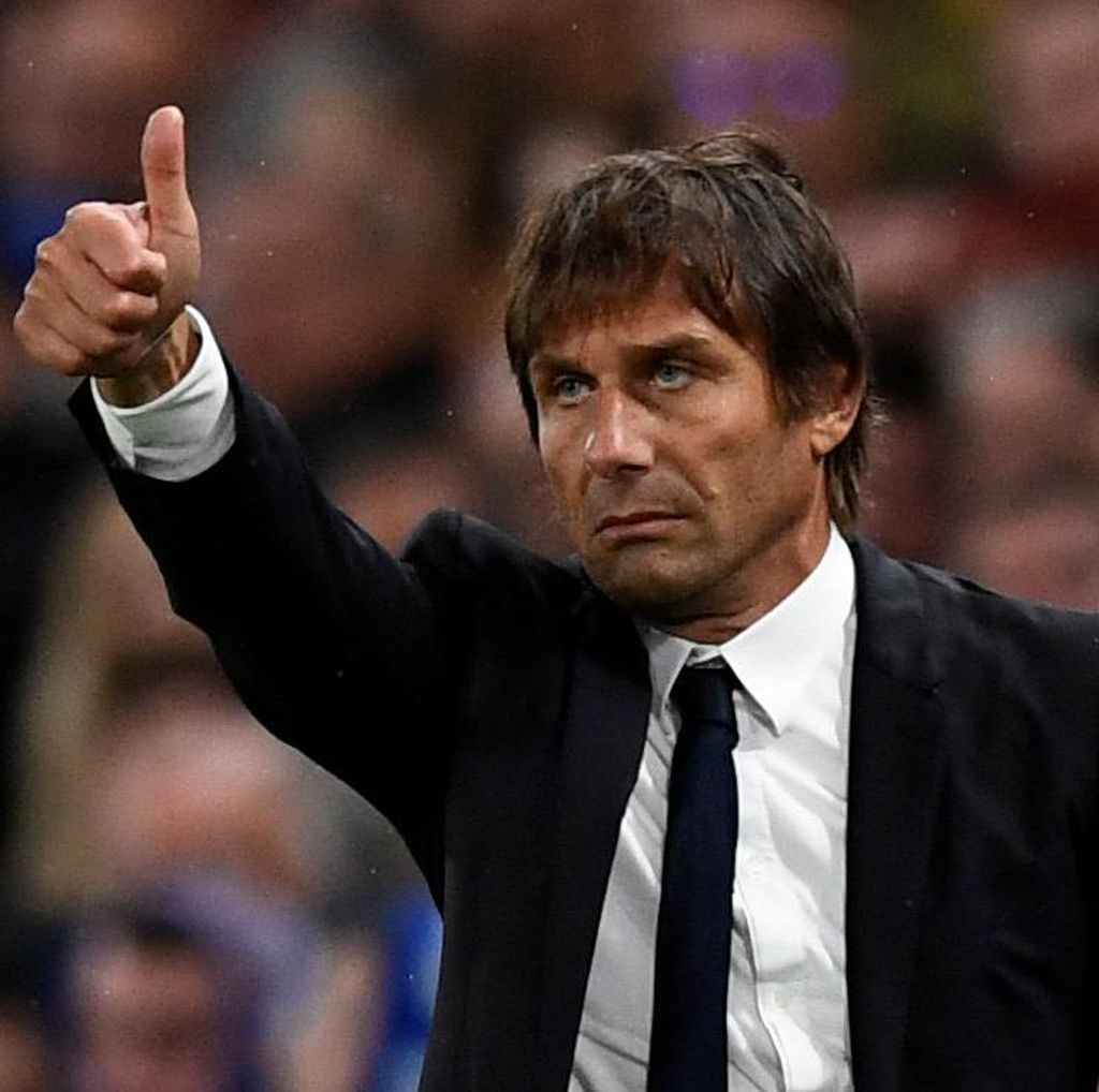 Duo Manchester Sedang On Fire, Conte Tak Ambil Pusing