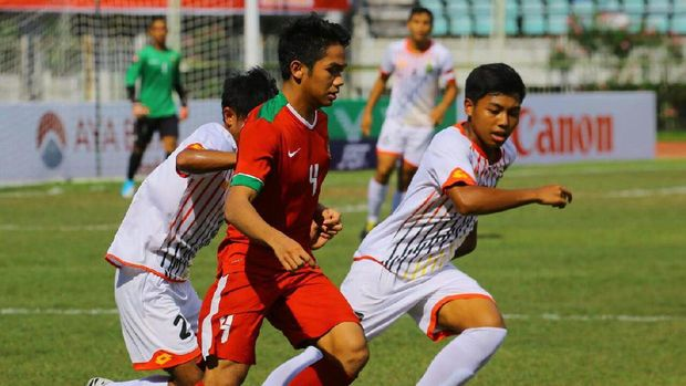Timnas Indonesia U-19 akan menghadapi Thailand pada laga semifinal Jumat (15/9) sore. (