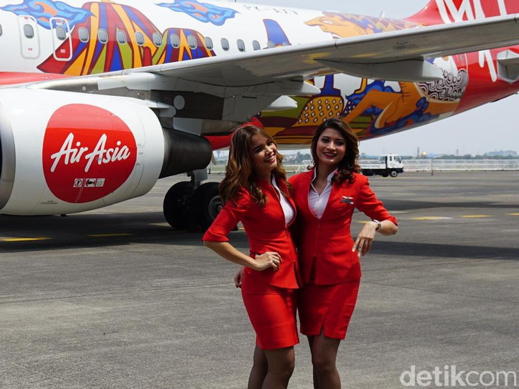 Foto: Pramugari AirAsia dan Wonderful Indonesia