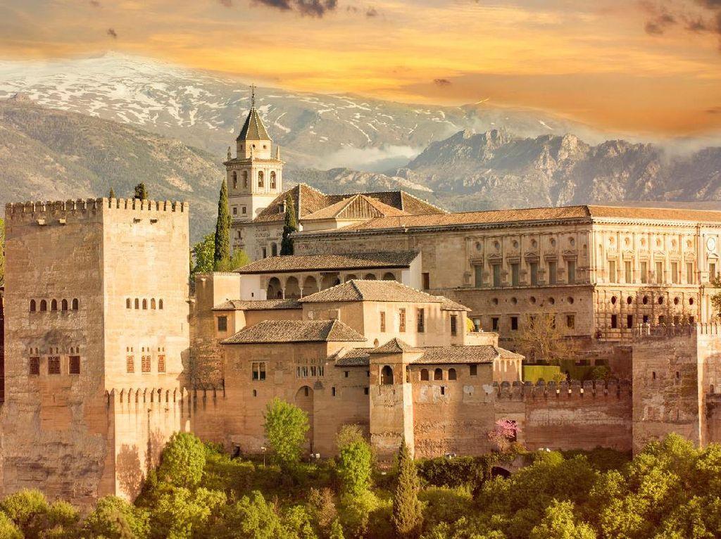 10 Fakta Alhambra, Jejak Kerajaan Muslim di Spanyol