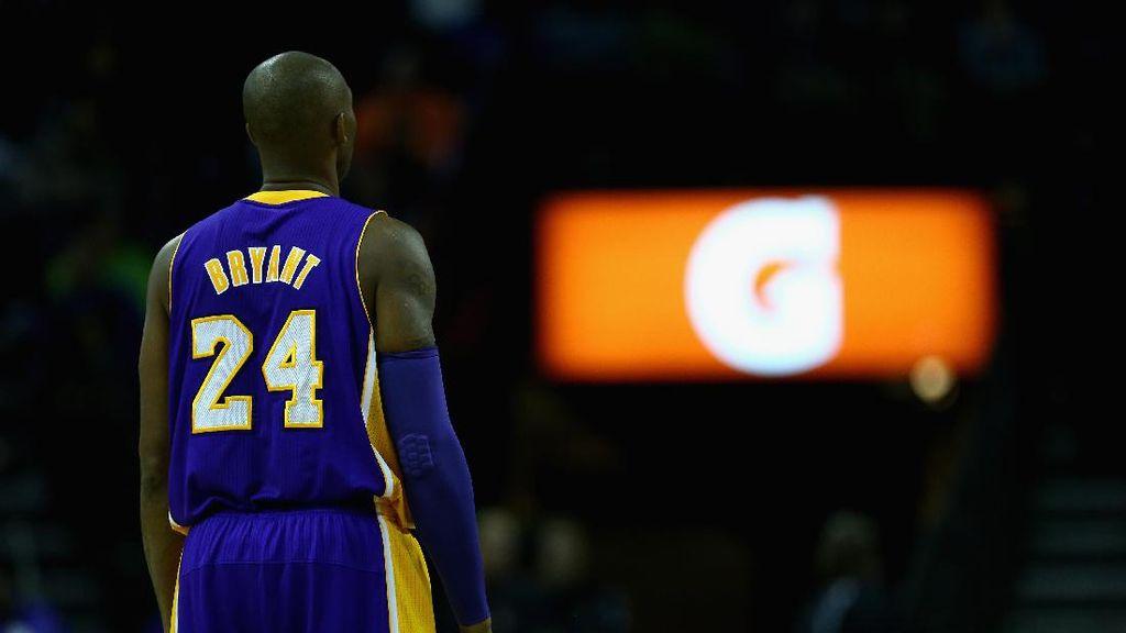 LA Lakers Pensiunkan (Dua) Nomor Punggung Kobe Bryant