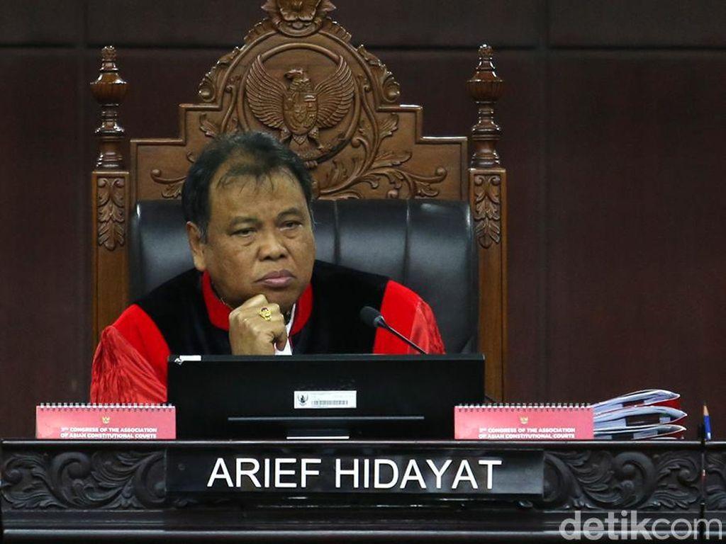 Share Komentar LGBT di Grup WA, Hakim MK Arief Tak Langgar Etik