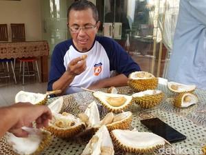 Nikmati Durian Merah Banyuwangi, Dahlan Iskan: Enak dan Legit