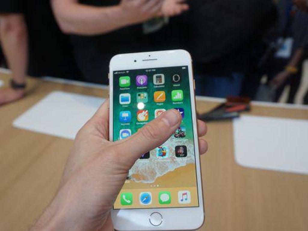 iPhone 8 Sukses Salip Galaxy S9