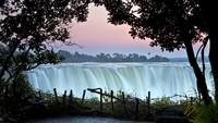 Ketika Air Terjun Tertinggi di Dunia Pilih-pilih Turis
