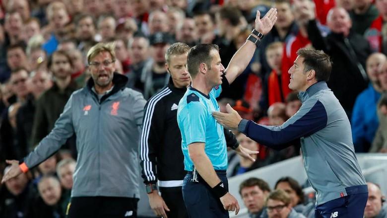 Kisah Pelatih Sevilla yang Dihukum Wasit Saat Ingin Tebus Kesalahan